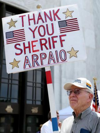 A proud American tells Sheriff Arpaio thank you