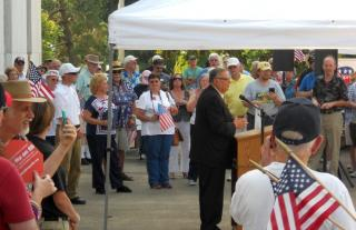Sheriff Arpaio addresses the welcoming crowd